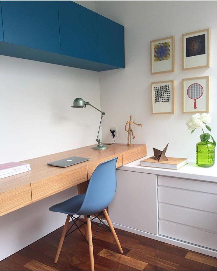 Exemplo de House Workplace pequeno e funcional possível graças à marcenaria airplane…