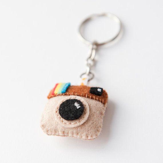Kawaii+Instagram+Logo+Felt+Keychain+por+CranberriesKnot+en+Etsy,+€4.00