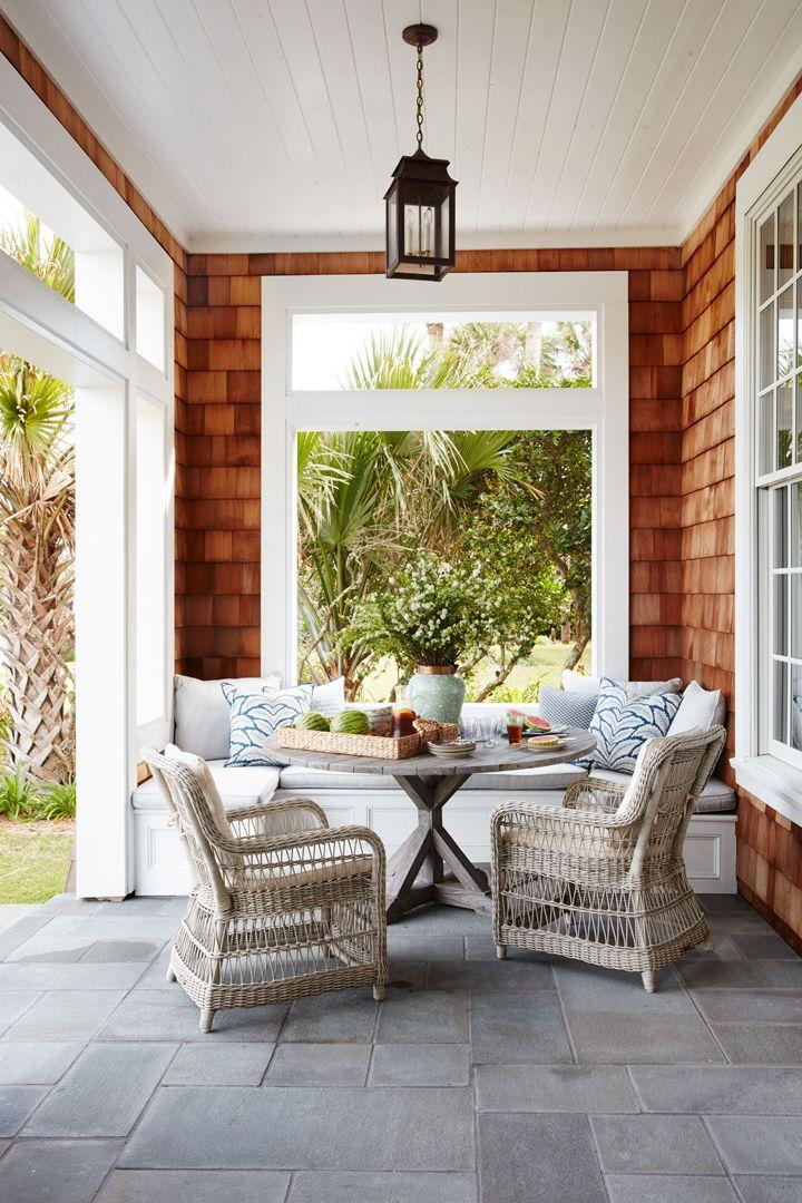 outdoor dining nook   Andrew Howard Interior Design