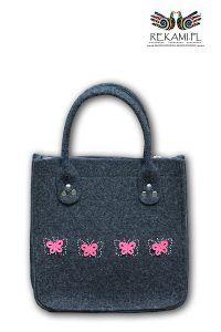 Dziewczęca torba filcowa Rękami z motylkami. Motyle w wersji z obwiednią z dżetów.