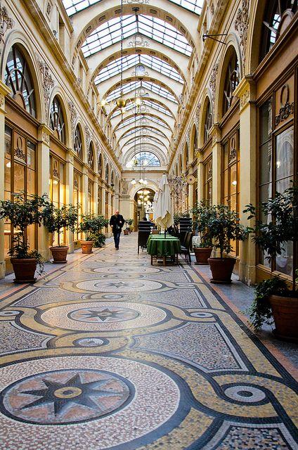 La Galerie Vivienne passages couverts de Paris, dans le deuxième arrondissement.