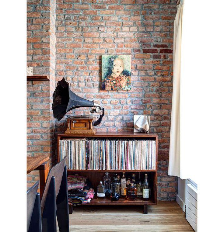 Lekker retro: een vintage platenspeler in huis