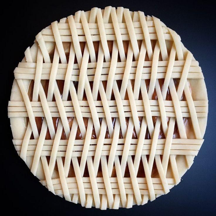 basket weave pie --