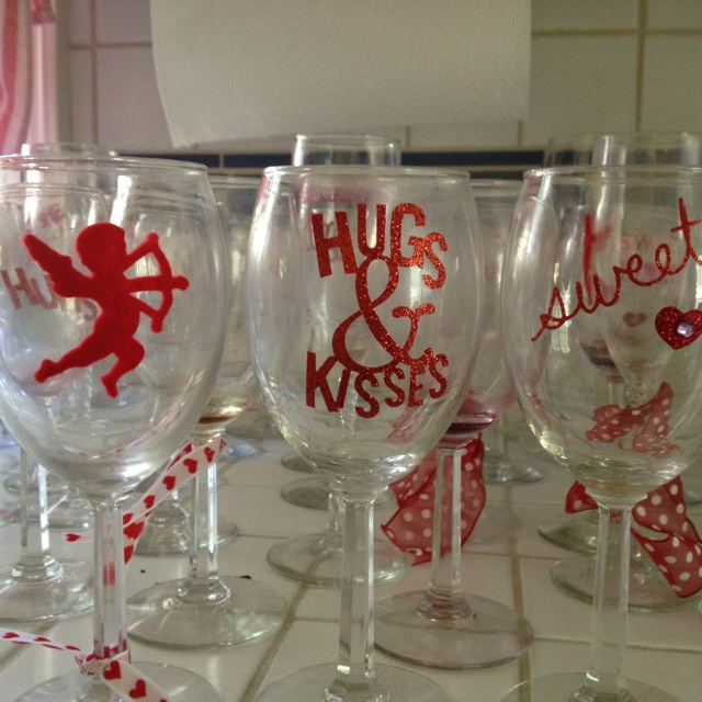 stickers on wine glasses for a valentines dinner
