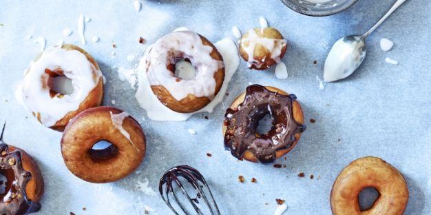 Op zoek naar een eiwitrijke snack? Maak dan deze pindakaas chocolade donut!