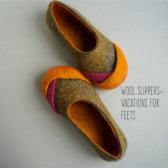 Women wool felt slippers felted home shoes felt by VaivaIndre
