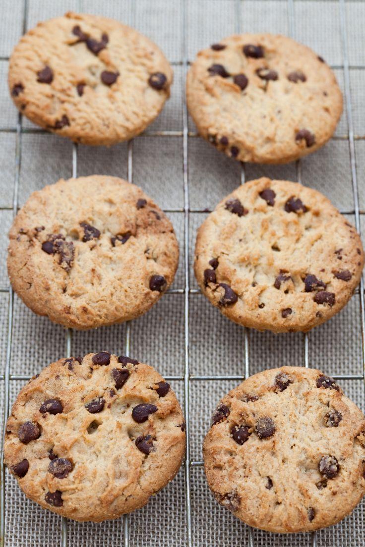 Homemade chocolate chip cookies zijn the best. Vrijwel iedereen lust ze! Wij maken ze graag met noten, maar houd je daar niet van of heb je een notenallergie, dan kun je ze er natuurlijk uit laten. *Je kunt chocolate chips gebruiken (zoals deze), die smelten niet en blijven in mooie kleine rondjes zitten. Voor een […]