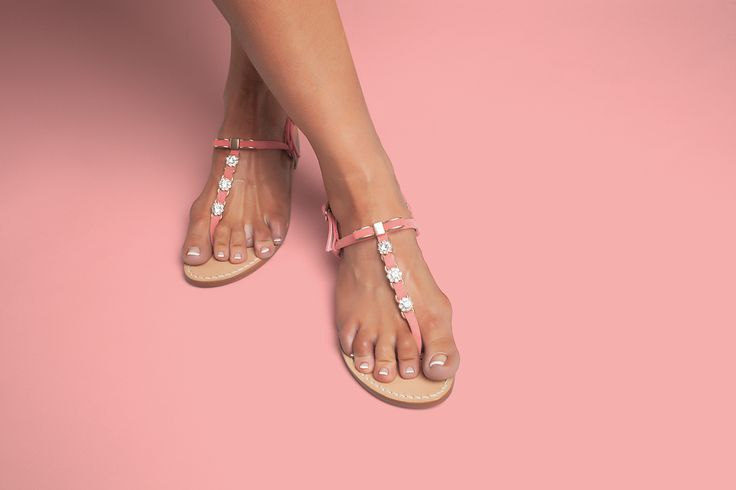 Sarah sandals in coral pink suede. Available in flats or with a little 2cm heel. Worldwide shipping #ankaliasandals #sarahsandals #ankaliadesigns #pinksandals