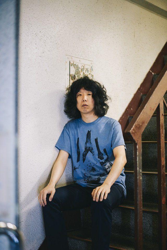 """坂本慎太郎が、ソロ3rdアルバム『できれば愛を』を7月27日にリリースする。前作のソロ2ndアルバム『ナマで踊ろう』は、「人類滅亡後に流れている常磐ハワイアンセンターのハコバンの音楽」というテーマを担っていたが、今作は「夏休みの最初の日の朝っぽいアルバム」を目指し、自分の""""声""""と向き合った、ポッ…"""