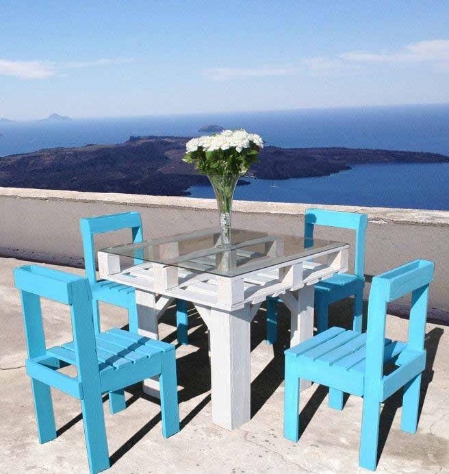 Mesa y sillas hechas de #pallets.