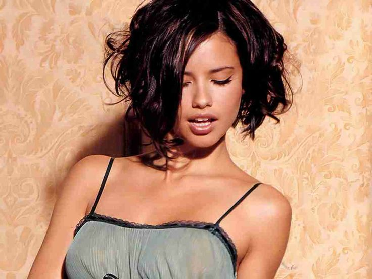 Adriana Lima is a very good looking and sexy Brazilian Actress, here you can read her height weight age, bra breast boobs size, figure & body measurements