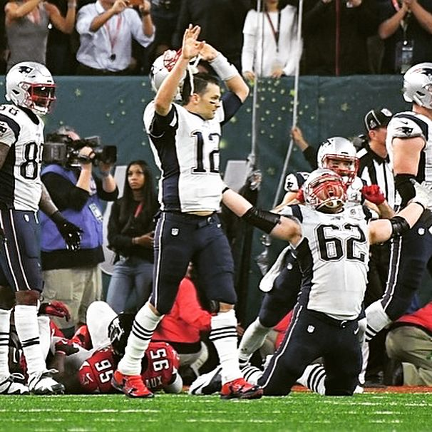 Ayeeeee the Patriots vs Falcons won the ESPY for best championship game💪 But how the hell did Edelman's catch in Super Bowl 51 not win? His catch took a hell of a lot of concentration on the biggest stage of his life in the midst of the greatest comeback of all time......oh well we still winners on the field that's all matters in the end🤷🏻♂️🏆 #tombrady #patriots #julianedelman #patsnation #nfl #football #espys #sports