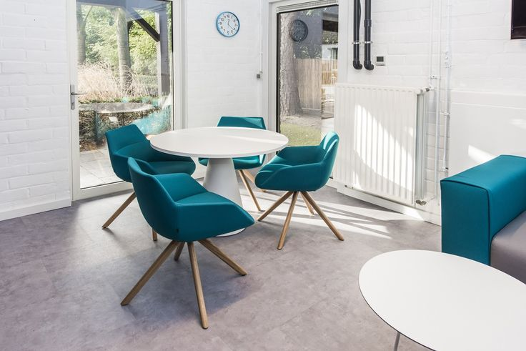 www.havic-kantoormeubelen.nl - ontvangstruite - kantoormeubelen - design - blauw - kantoor aan huis - kantoorinrichting