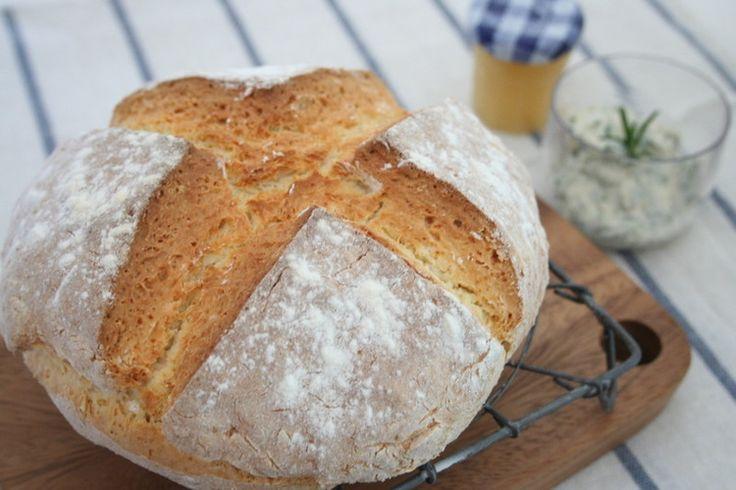 発酵なしですぐできる!手ごねパン簡単時短レシピ11選 - Locari(ロカリ)