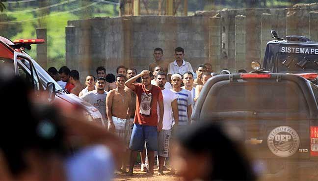 Nine dead in latest outbreak of Brazilian prison violence https://www.biphoo.com/bipnews/world-news/nine-dead-in-latest-outbreak-of-brazilian-prison-violence.html Latest News Headlines, Nine dead in latest outbreak of Brazilian prison violence, Todays News Headlines, Top News Headlines https://www.biphoo.com/bipnews/wp-content/uploads/2018/01/Nine-dead-in-latest-outbreak-of-Brazilian-prison-violence.jpg