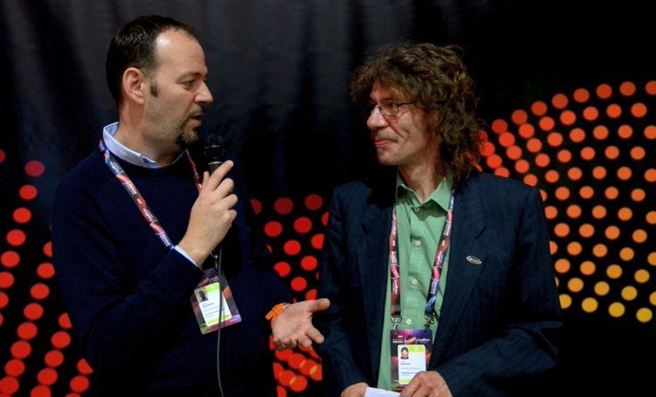 Jens, unser treue Begleiter aus Deutschland, hat für uns alle bisherigen Eurovision Nights Veranstaltungen - Start Night, Jam Nights und Eurowies´n - besucht: http://www.eurovision-austria.com/de/eurovision-nights-mit-jens/ ------------------------------- #esc #eurovision #austria #buildingbridges #eurovisionnights