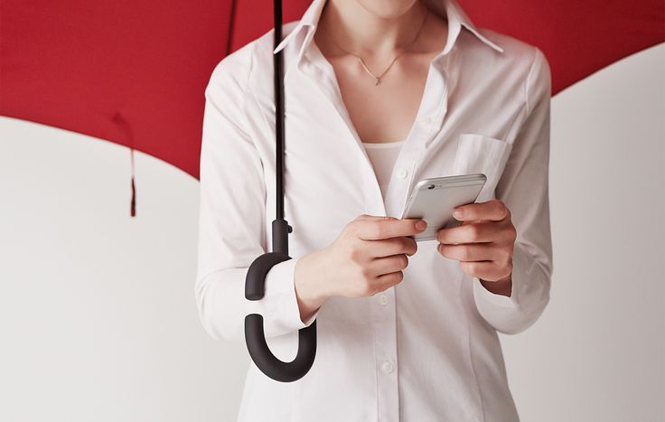 Korean company kt Design has come up with a solution to text under the rain trying to stay dry.