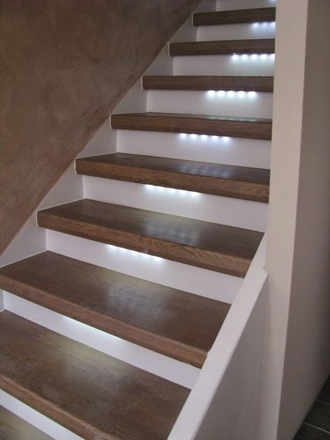 Cuidados com as escadas: Especialista em peças para escadas!: Iluminação LED para suas escadas. Atmosférico …   – cabin