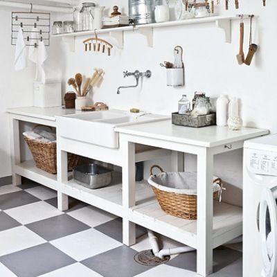 I så fall er dette verdens vakreste! Se hvordan den dystre vaskekjelleren ble ny og praktisk i landlig stil.