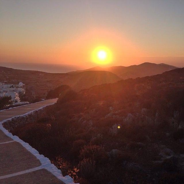 #Romantic.... #Sunset #Folegandros island #Cyclades #Greece Photo credits: @kellysloves
