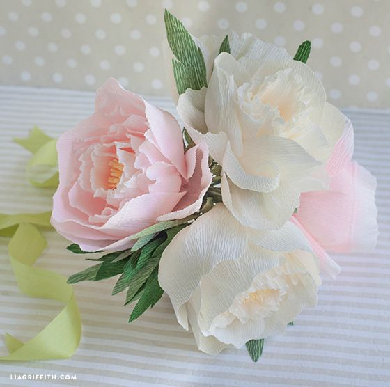 DIY Paper Peony Bouquet -- Gorgeous DIY for a rehearsal dinner bouquet..  Or even rustic chic centerpieces!