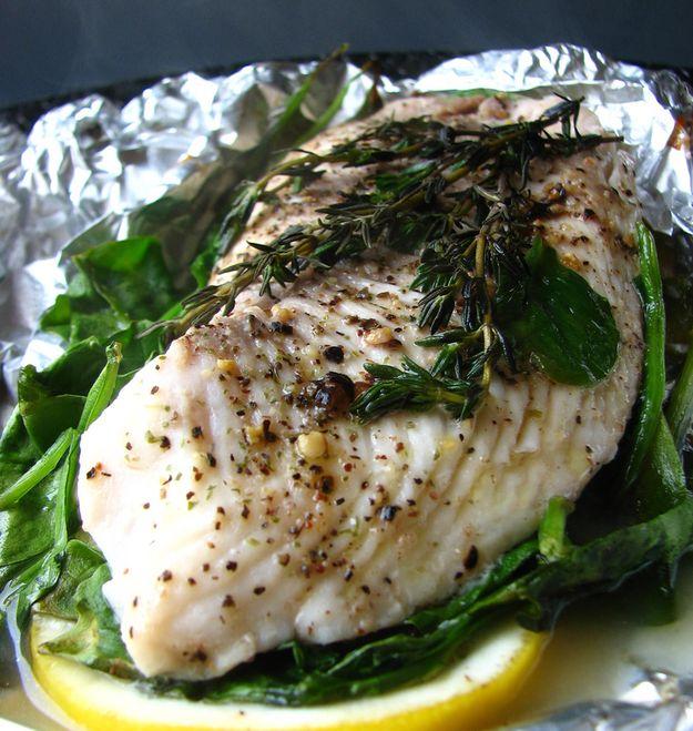 Gebackener Fisch in Folie oder Pergament | 25 schnelle Gerichte, die Deinen Geldbeutel im Studium schonen