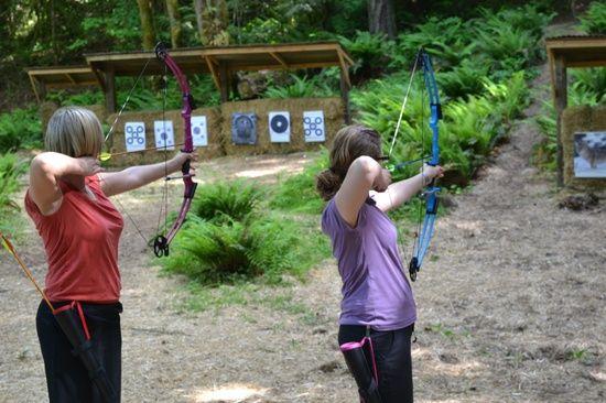 Setting Up Backyard Archery Range : hay bales set up for archery range gun range
