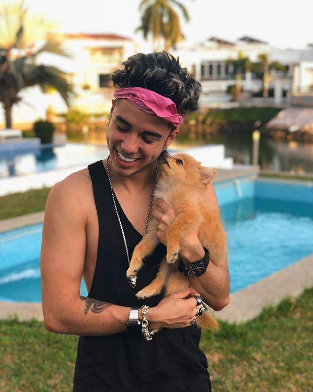 """323.4 mil Me gusta, 6,232 comentarios - Mario Bautista (@mariobautistagil) en Instagram: """"Con el bello @jukidog disfrutando de Mazatlán y su hermoso clima ❤️"""""""