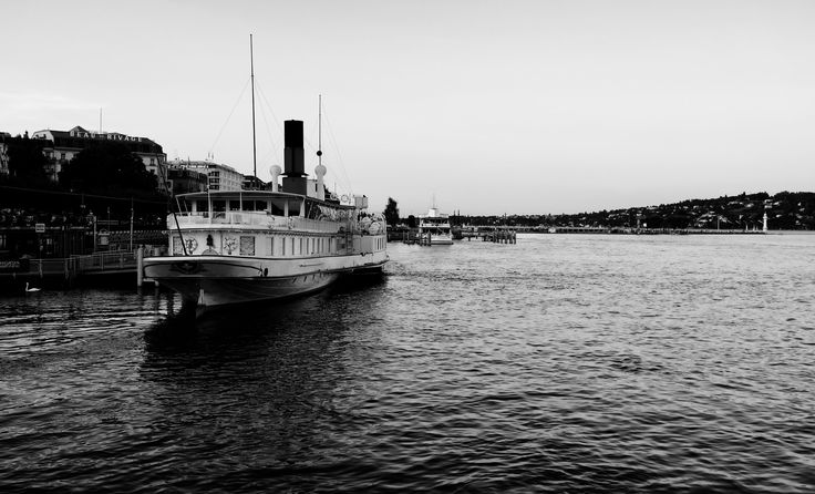 https://flic.kr/p/Csg8Eo | Geneva Switzerland boat | Travel Europe without visas GENEVA SWITZERLAND The fountain JET-D'O was wet under it