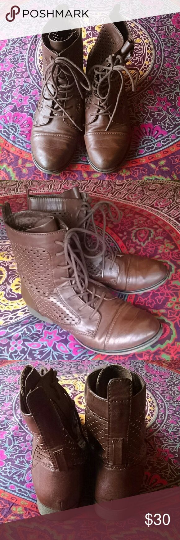 Steeve Madden eyelet boots Great condition brown eyelet combat boots, super cute with colored socks! Steve Madden Shoes Combat & Moto Boots