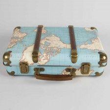 Vintage Koffer Around The World 50 euro (veel te duur, maar voor het idee) als kaartenkoffer weddingdeco.nl