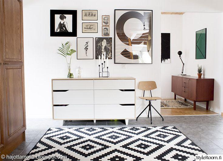 Vintagekalusteet ovat retrosisustuksen ydin #styleroom #eteinen #retro #lipasto #sisustus #inspiroivakoti Täällä asuu: Heidi_hajottamo