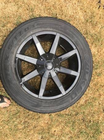 (4) 20 inch tires off of 2007 chevy Silverado $1500