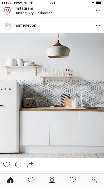 Superb Minimalistische K che Wohnung Therapie Smeg K hlschrank Wohnungen Aufkantung K che Ideen The Honeybs Kitchen Styling Style