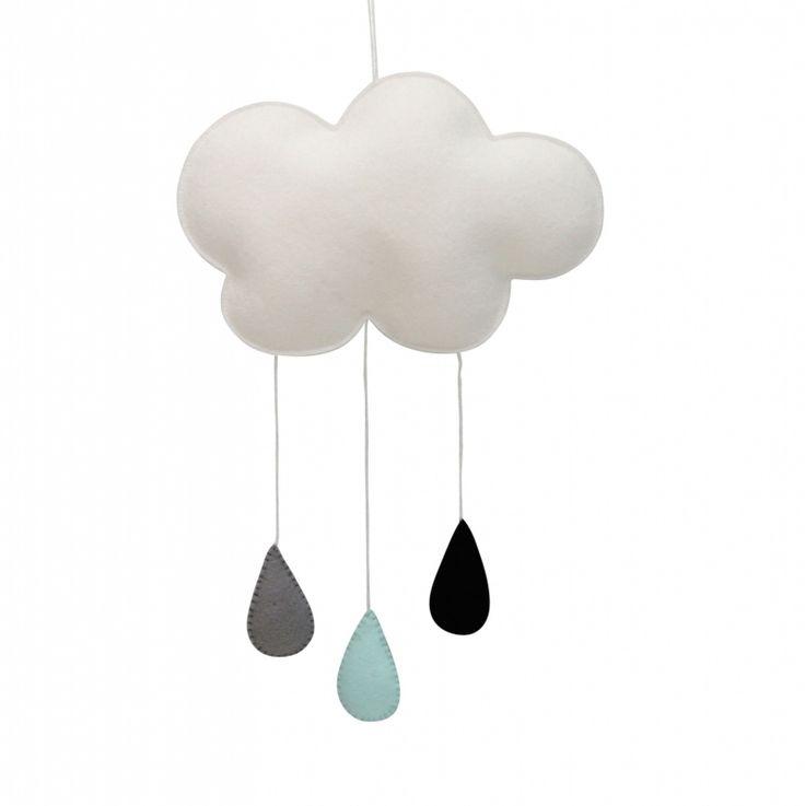 Hanger wolk wit grijs mint Deze mooie hanger in de vorm van een wolk is erg leuk voor in de babykamer. De wolkhanger is handgemaakt van wit vilt. De wolk is opgevuld en aan de wolk hangen 3 druppels; een zwarte, een grijze en een mintgroene.