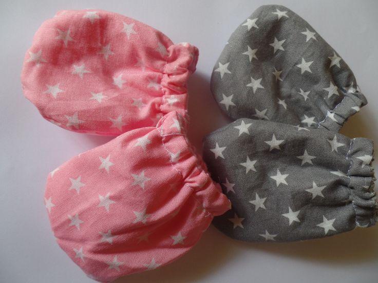 newborn mittens, handmade by pitsiriki