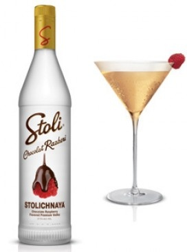 Stoli vodka cocktail - recipe: Stoli Chocolat Razberi Layer Cake Martini