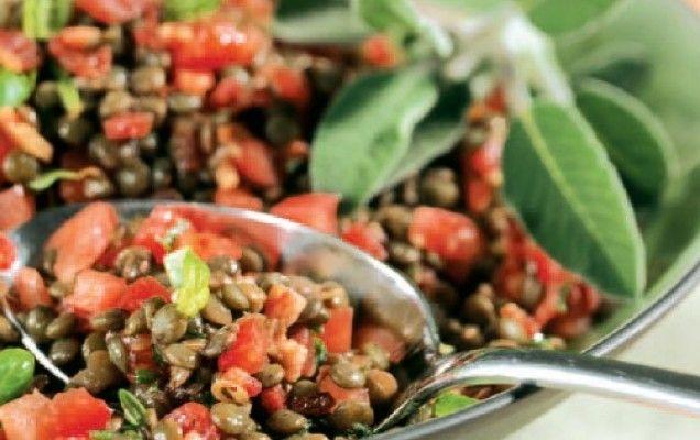 Σαλάτα καλοκαιρινή με φακές και ντομάτα - iCookGreek