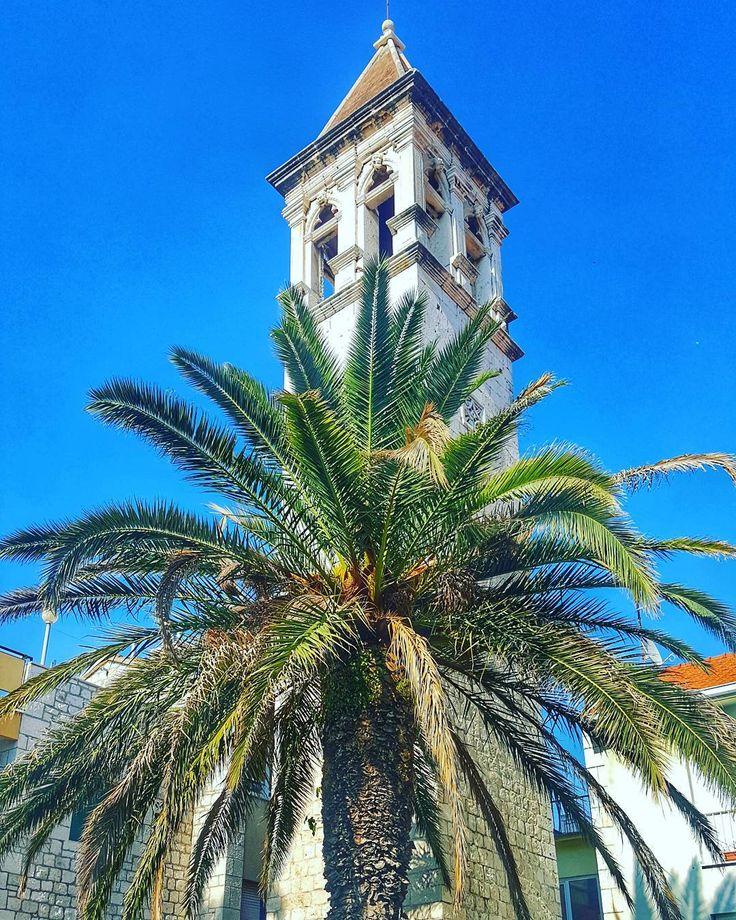 A series of fortunate views . . #Trogir . . #architecture #iseeplaces #travelphotography  #worldinmotion #allaroundtheworld #postcardsfromtheworld #discoverearth #arountheworld #worldplaces #travelling #traveltheworld #travelphoto #picoftheday #oldtown #photography #instagram #instagood #instavacation #like4like #l4l #followforfollow #igerscroatia