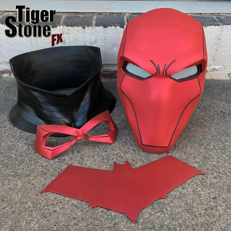 As its been a nice sunny day today we made the time to finally take Red Hood bundle pics outside and set up listings in our shop for them. Some of you have already taken us up on this deal (its been available since we revealed the helmet) - You get the helmet neck piece chest emblem (choose from 4) and a FREE face mask (choose from 5). Helmet cast in @SmoothOn Task 16 everything else cast in VytaFlex 40. #tigerstonefx #redhood #jasontodd #redhoodhelmet #redhoodmask #redhoodcosplay #comics…