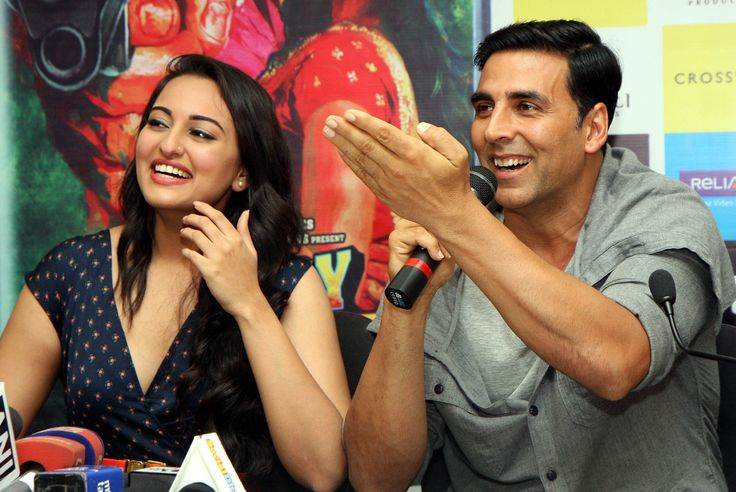 Akshay Kumar And Sonakshi Sinha Promotes Upcoming Movie Holiday