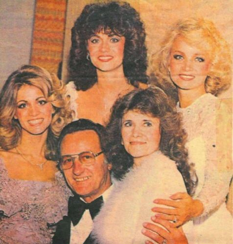 Barbara Mandrell with Irlene, Louise, Mary