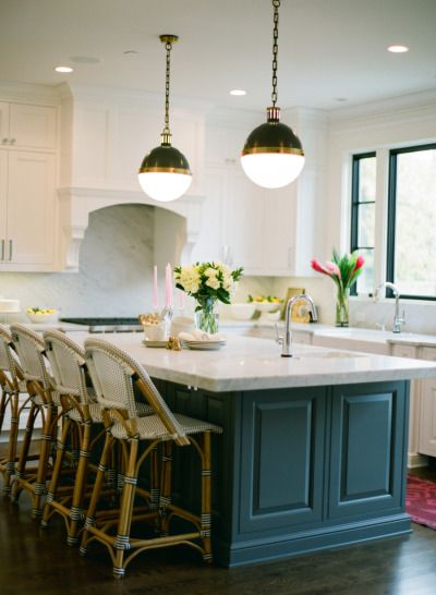 Cool kitchen: http://www.stylemepretty.com/living/2014/01/16/eclectic-chic-home-in-chicago/   Photography: Yazy Jo - http://www.yazyjo.com/