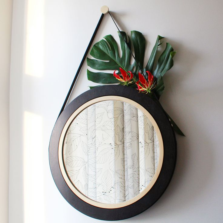 Woodoo People Lustro na pasku No. 6 / #ladnerzeczy #targirzeczyladnych #ladnerzeczydziejasiewinternecie #polishdesign #design #mirror #lustro # madeofwood