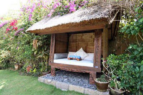 Outdoor reading nook | Awesome Garden Ideas | Pinterest on Backyard Nook Ideas id=67638