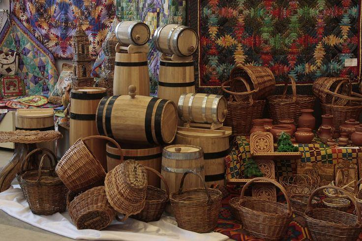 русские ремесла -  выставка-ярмарка изделий мастеров декоративно-прикладного искусства