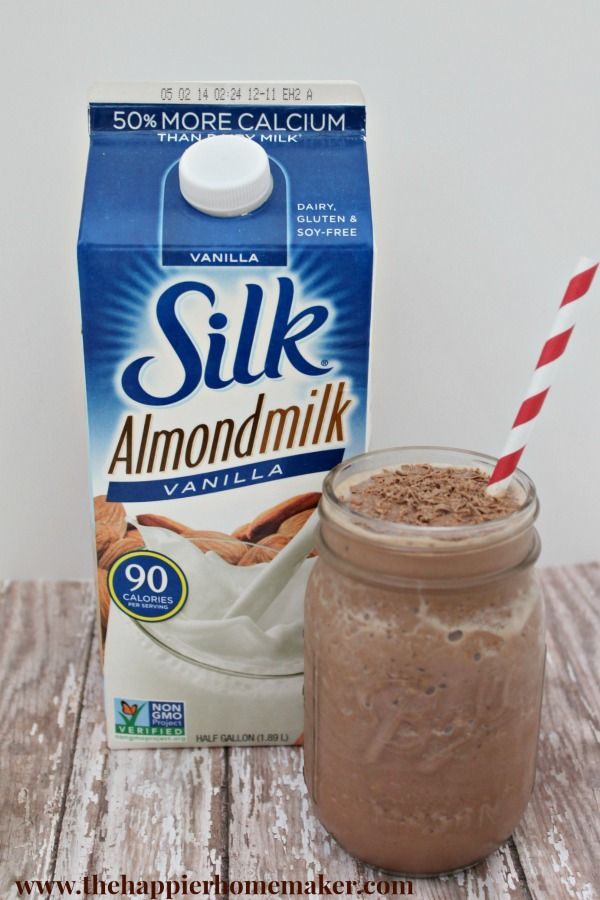 Chocolate Almond Skinny Smoothie & Making Healthy Choices | The Happier Homemaker