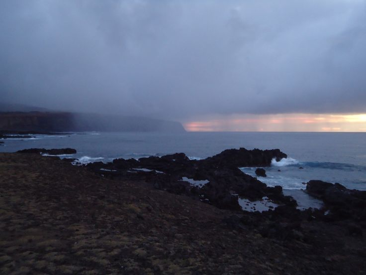 Amanece y llueve (Rapa Nui) Septiembre 18, 2014