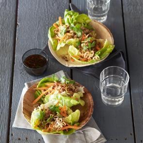 Slarolletjes met gehakt, noedels en tamaridressing | Smaakmakend | biologisch |  recepten | eten | food | bionext