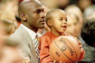 全てを持っている父へのプレゼントの思い出を語る Marcus Jordan